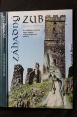náhled knihy - Záhadný zub : sto příběhů z českých hradů, zámků a archeologických nalezišť