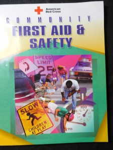 náhled knihy - Community first aid and safety
