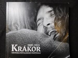 náhled knihy - Krákor- kronika potulného festivalu 1998-2013