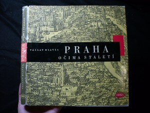 náhled knihy - Praha očima staletí : [soubor graf. listů a fot.]