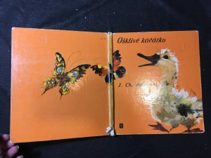 náhled knihy - Ošklivé káčátko