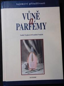 náhled knihy - Vůně a parfémy : tajemství přitažlivosti