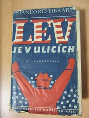 náhled knihy - Lev je v ulicích