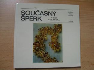 náhled knihy - Současný šperk : Soudobé české umění