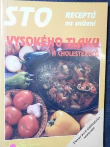náhled knihy - Sto receptů na snížení vysokého tlaku a cholesterolu
