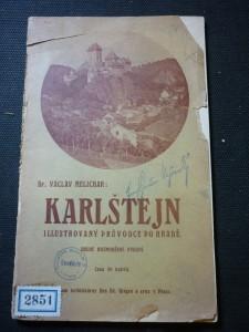náhled knihy - Karlštejn illustorvaný průvodce po hradě