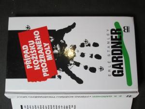 náhled knihy - Případ kožíšku prožraného moly