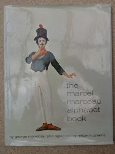 náhled knihy - the marcel marceau - alphabet book
