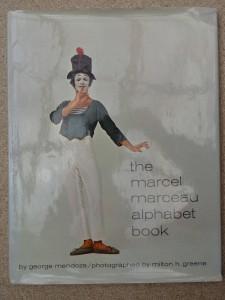 náhled knihy - the marcel marceau - alphabet book