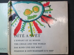 náhled knihy - Dítě a svět : kresby dětí z celého světa