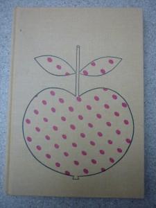 náhled knihy - Zlaté jablko : pohádky, říkadla, rozpočitadla, hádanky, písně, vyprávěnky, koledy a ukolébavky z lidové slovesnosti národů Sovětského svazu