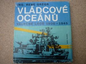 náhled knihy - Vládcové oceánů : válečné lodě 1900 až 1945