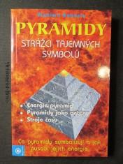 náhled knihy - Pyramidy. Strážci tajemných symbolů