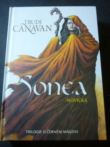 náhled knihy - Sonea - trilogie o černém mágovi. Novicka