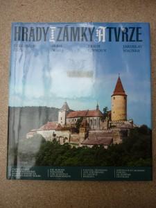náhled knihy - hrady,zámky a tvrze Středních Čech