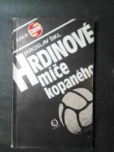 náhled knihy - Hrdinové míče kopaného