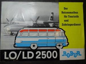 náhled knihy - Der Reiseomnibus fur Touristik und Zubringerdienst LO/LD 2500