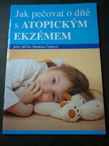 náhled knihy - jak pečovat o dítě s atopickým ekzémem