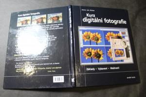 náhled knihy - Kurz digitální fotografie : [základy, vybavení, možnosti]