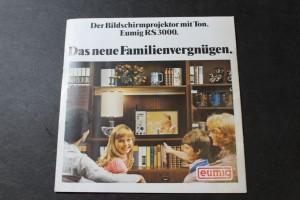 náhled knihy - Das neue Familienvergnügen. Der Bildschirmprojektor mit Ton. Eumig RS3000.