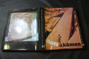 náhled knihy - Člověk a kámen