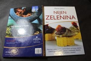 náhled knihy - Nejen zelenina : pokrmy z masa a ryb, v nichž hlavní roli hraje zelenina : zeleninové krémové polévky a neobvyklé dezerty : prostřeno šéfkuchařem s fantazií