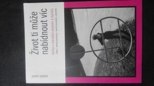 náhled knihy - Život ti může nabídnout víc: Kniha o mentální anorexii a bulimii