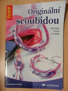 náhled knihy - Originální scoubidou : náramky, řetízky a ozdoby
