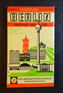 náhled knihy - Stadtplan Berlin Hauptstadt der DDR (1: 25 000)