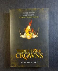 náhled knihy - Three Dark Crowns