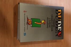 náhled knihy - Duden : německý výkladový slovník s českými ekvivalenty