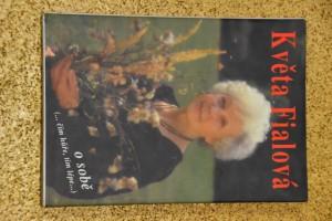 náhled knihy - Květa Fialová o sobě : (-čím hůře, tím lépe-)