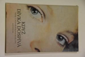 náhled knihy - Když dívka dospívá