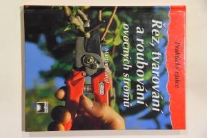 náhled knihy - Řez, tvarování a roubování ovocných stromů