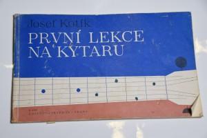 náhled knihy - První lekce na kytar