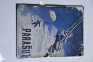 náhled knihy - Parašut