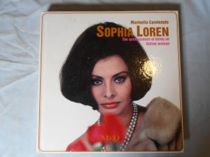 náhled knihy - Sophia Loren: The quintessence of being an Italian woman