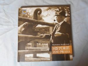 náhled knihy - Historie Zoo Praha : prvních 40 let zápasů a úspěchů