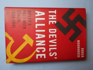 náhled knihy - The devil's alliance: Hitler's pact with Stalin, 1939-1941