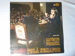 náhled knihy - Miloslav Šimek, Pavel Bobek, Miroslav Plzák - Zavěste prosím, opět volá Semafor