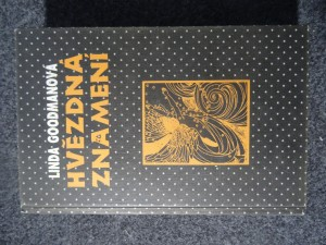 náhled knihy - Hvězdná znamení : tajné kódy vesmíru : zapomenuté duhy a zapomenuté melodie starověké moudrosti