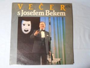 náhled knihy - Večer s Josefem Bekem - Vypravuje, zpívá a na své herecké role vzpomíná zasloužilý umělec Josef Bek