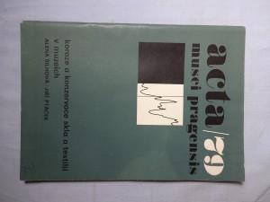 náhled knihy - Koroze a konzervace skla a textilií v muzeích