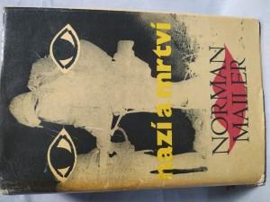 náhled knihy - Nazí a mrtví