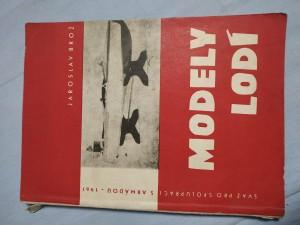 náhled knihy - Modely lodí