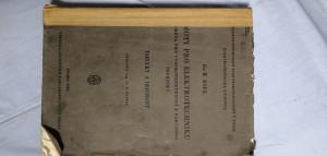 náhled knihy - Hmoty pro elektrotechniku, zejména pro vysokofrekvenční a vakuovou techniku : tabulky a diagramy