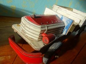 náhled knihy - nákladní auto dřevěné, torzo
