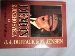 náhled knihy - Démon z jiného světa : pátrání po tajemství Adolfa Hitlera
