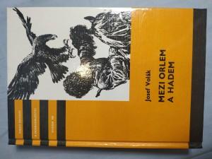 náhled knihy - Mezi orlem a hadem: pro čtenáře od 12 let