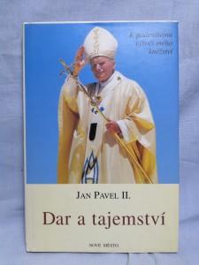 náhled knihy - Dar a tajemství : k padesátému výročí mého kněžství